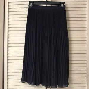 Navy blue pleated high waisted skirt